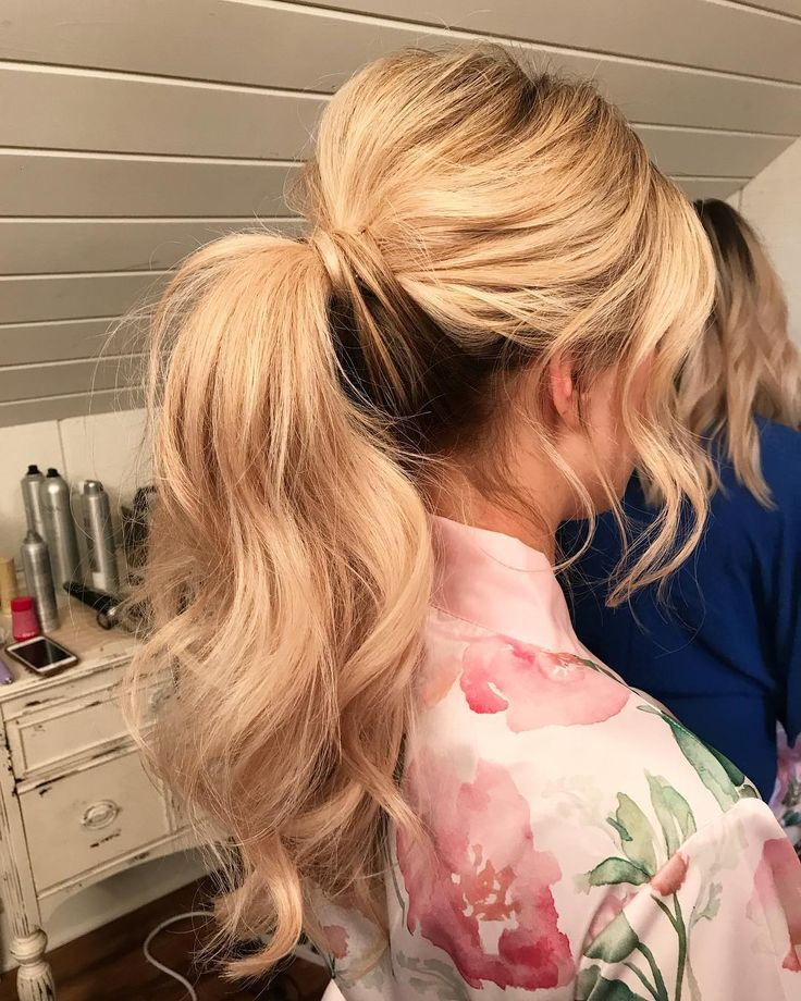 I simply love a superb messy ponytail! Hair by me on @meganelizabethbell Most gorg…
