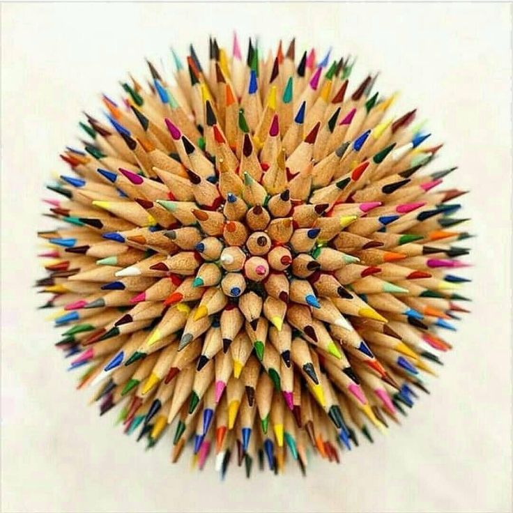 This would be a great desk piece! Who made this? #designspiration #artislife #artsy - View this Instagram https://www.instagram.com/Designspiration/
