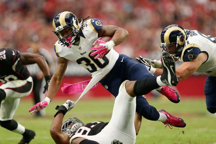 5 matchups that will define NFL Week 5 - St. Louis Rams RB Todd Gurley vs. Green Bay Packers front seven -    Running back Todd Gurley #30 of the St. Louis Rams is tripped up by defensive end Calais Campbell #93 of the Arizona Cardinals during the second half of the NFL game at the University of Phoenix Stadium on October 4, 2015 in Glendale, Arizona.