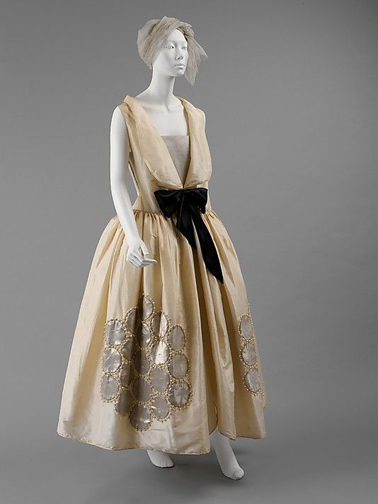 Dress (Robe de Style)  House of Lanvin (French, founded 1889)  Designer: Jeanne Lanvin (French, 1867–1946) Date: fall/winter 1924–25 Culture: French Medium: silk, metallic thread