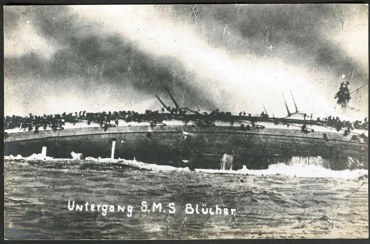 """BLÜCHER senkes i Oslofjorden 1940.. Meget uvanlig tyskprodusert fotokort uten utgiver: """"Untergang SMS Blücher""""."""