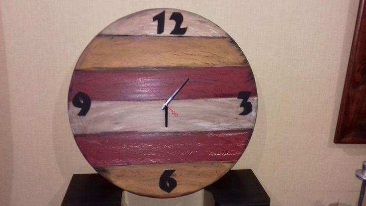 Reloj mural técnica decapado