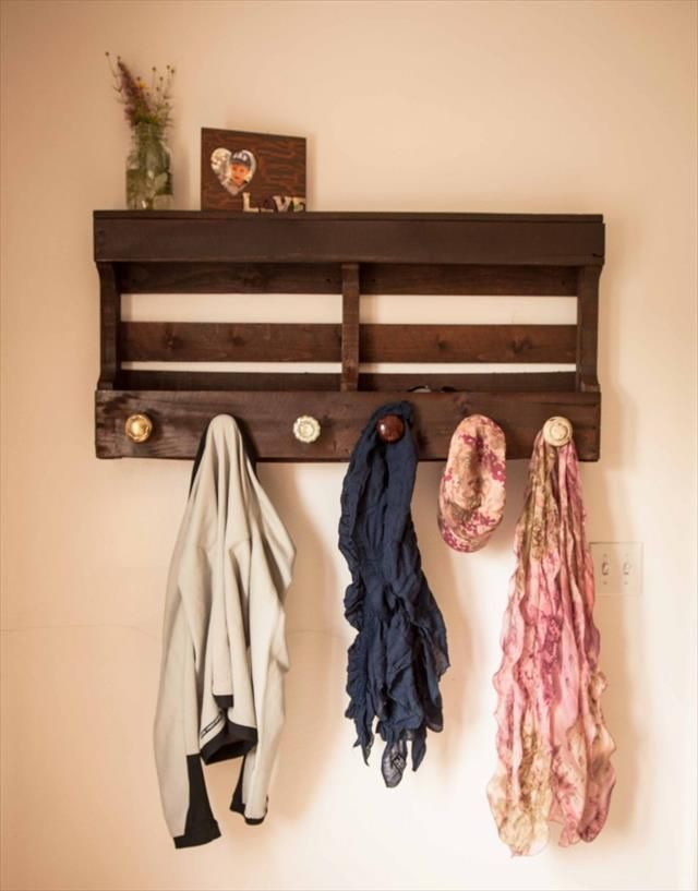 Pallet Coat Rack with #Shelf -  10 Reclaimed Wood Pallet Coat Rack   99 #Pallets