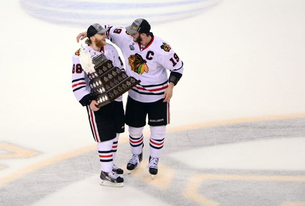 Patrick Kane, Jonathan Toews sign massive 8-year, $84M deals with Chicago