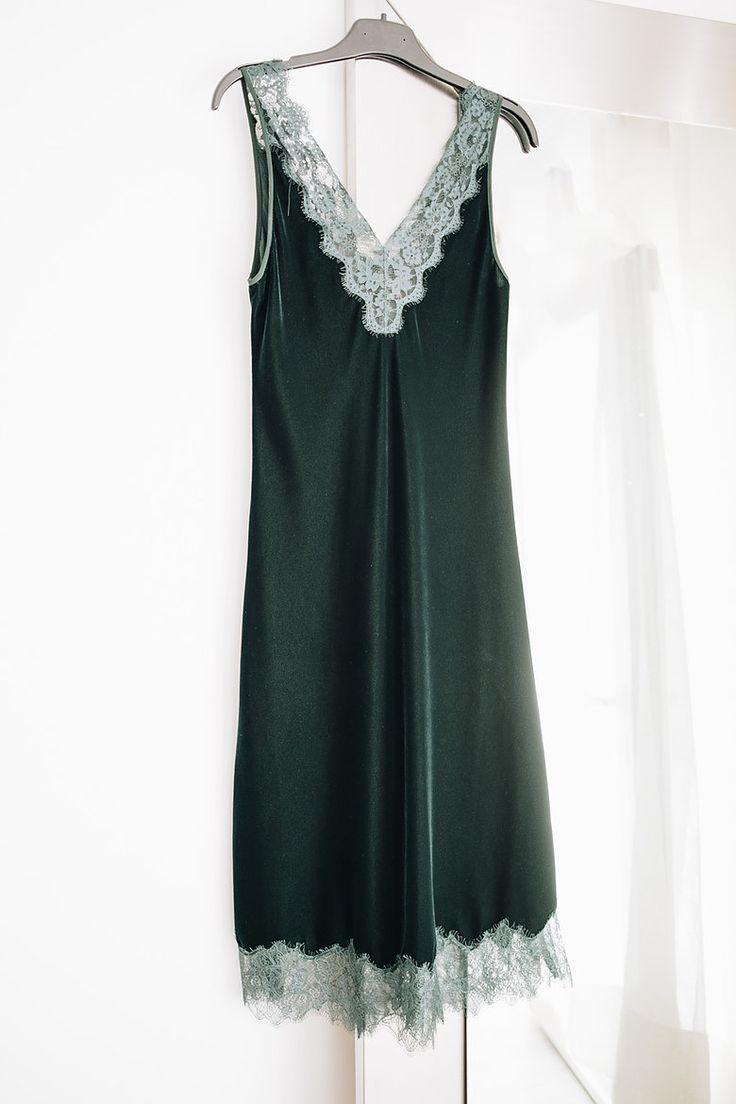 Green velvet dress at Portugal Fashion