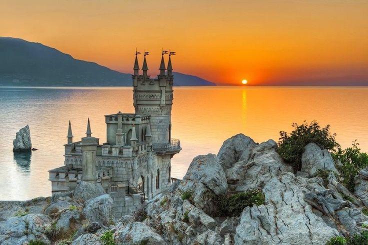 Nido de golondrina, Crimea, Rusia   20Fabulosos castillos enlos que tequedarías avivir para siempre