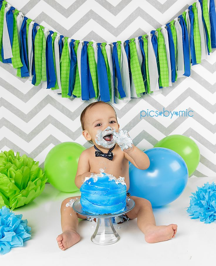 Cake Smash | Pics-By-Mic | New Caney Texas Baby & Child Photographer | one year old boy, first birthday pictures, one year old, cake smash ideas, 1st birthday, cake, balloons #picsbymic