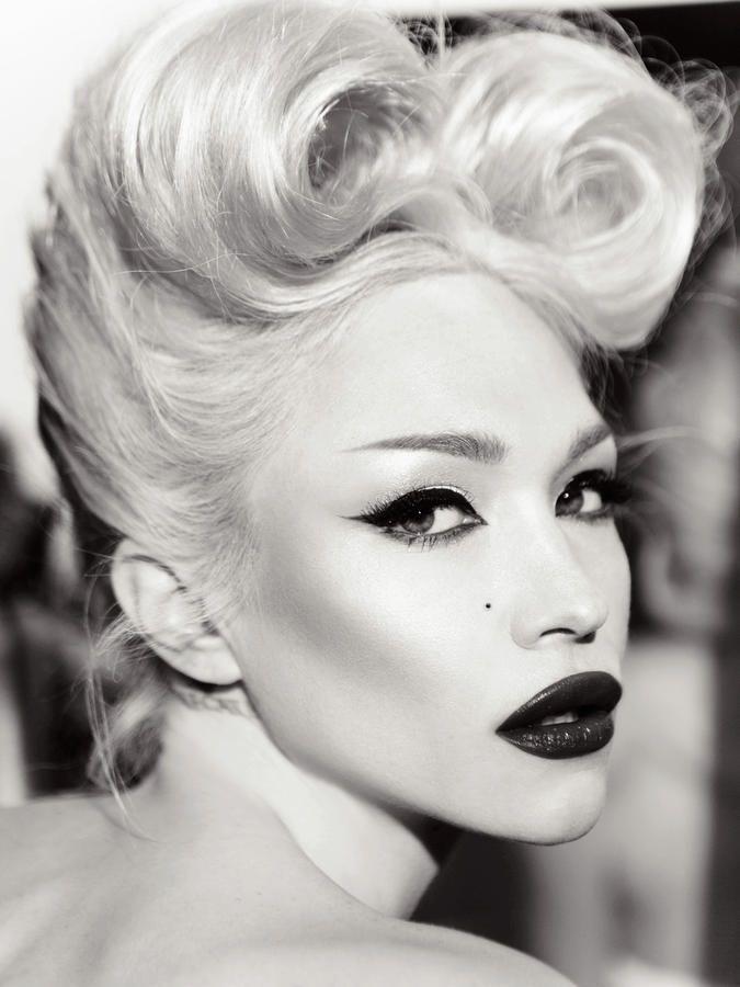 Ivy Levan - estilo retrô, cabelo e maquiagem vintage.                                                                                                                                                     Mais