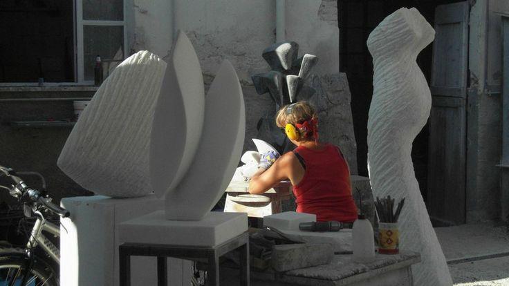 L'artista Inger-Sannes nello Studio Sem http://musapietrasanta.it/content.php?menu=le_imprese