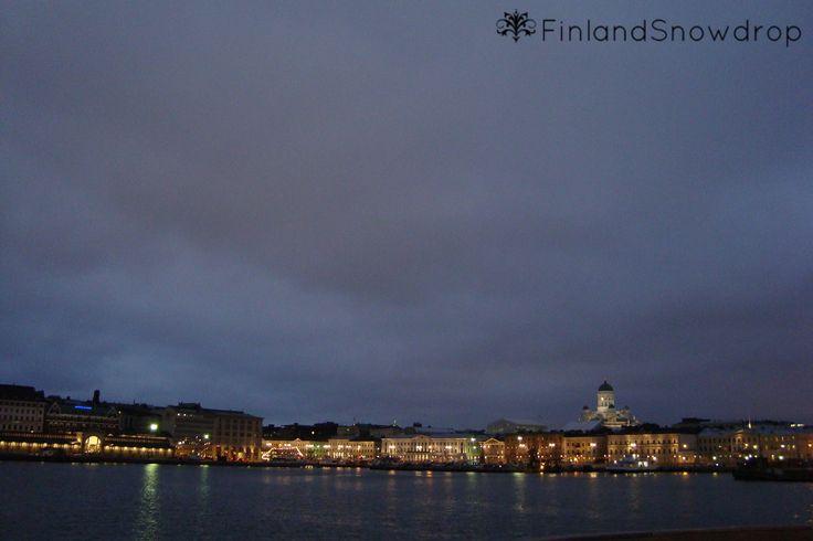 Night descends on the city // noc se snáší na město #Helsinki #nightcity