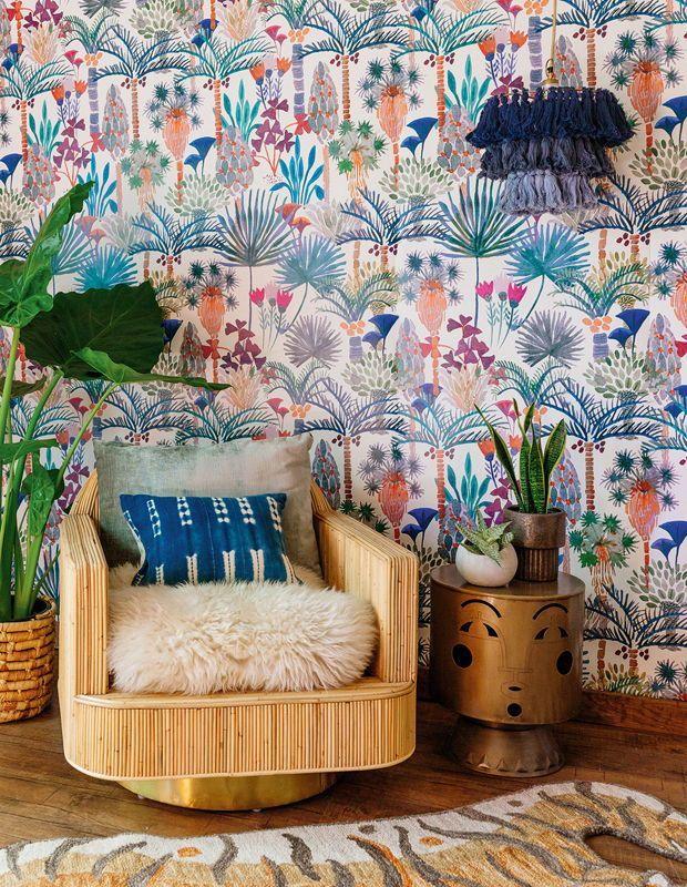 Designer Spotlight Justina Blakeney Is Breathing New Life Into Boho Style Home Wallpaper Phoenix Wallpaper Decor