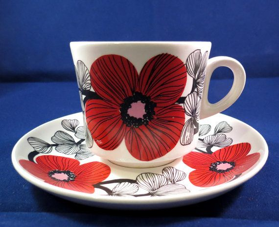 Arabia of Finland, Esteri Tomula, Isokukka, Big Flower Coffee cup and saucer