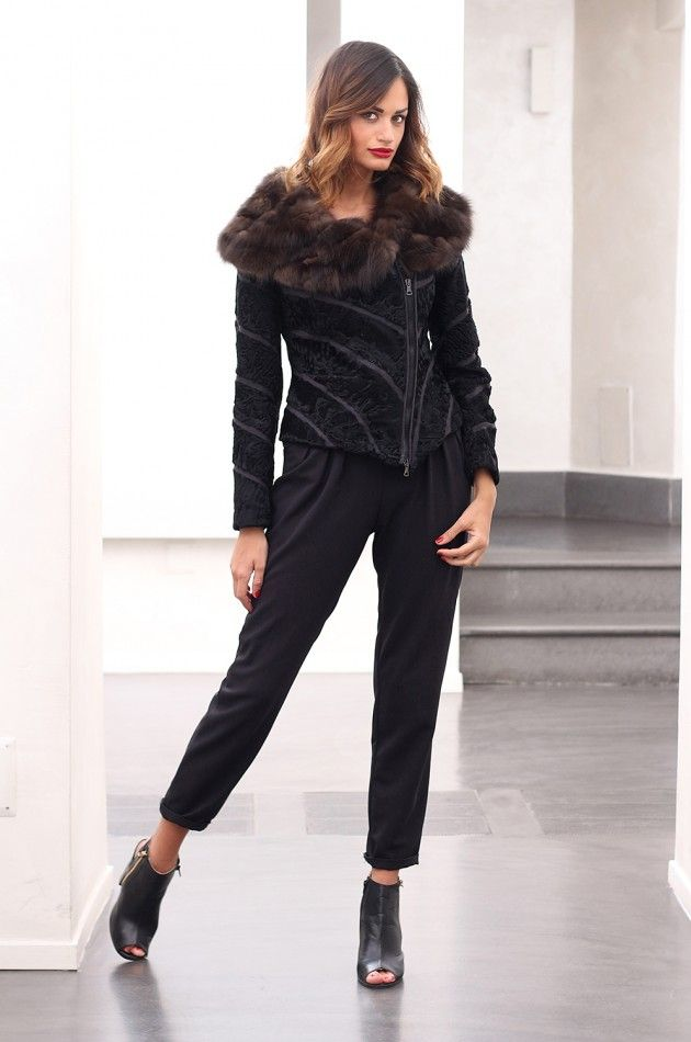 Swakara fur with barguzinsky russian sable and whole skins. Made in Italy. Skins Quality: KOPENHAGEN FUR PLATINUM– SOJUZPUSNINA; Color: Black – Brown; Closure: With Zip; Collar: Shawl; Lining: 100% Satin; Lining Color: Black, Monocolor; Length: 50 cm;  #elsafur #fur #furs #furcoat #coat #mink #minkcoat #cappotto #peliccia #pellicce #НОРКА #ЛИСА #СОБОЛЬ #ШИНШИЛЛА #РЫСЬ #КОЖА #ПИТОНА #АКСЕССУАРЫ #ДРУГОЕ