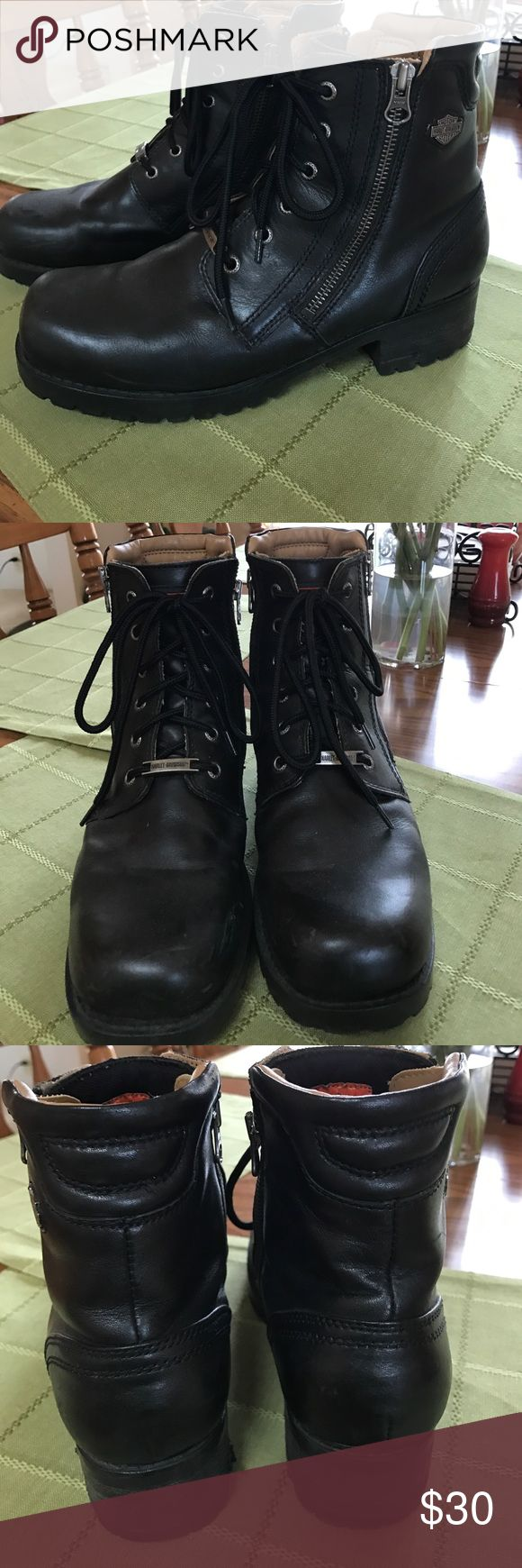 Women's super cute Harley Davidson riding boots Size 9 1/2.  One heel has a scrape on it as seen in pic. A couple very minor scrapes that will buff right out. Great boots for a long summer ride!! Side zippers. Lots of life left in these boots! Harley-Davidson Shoes