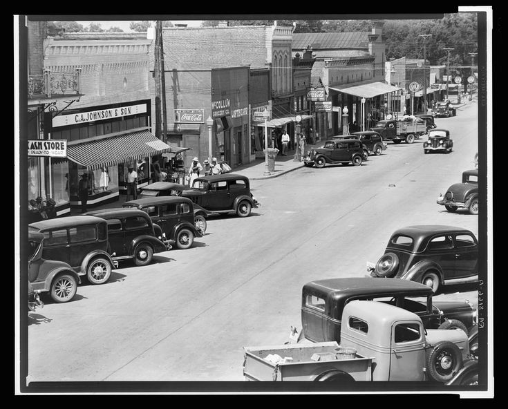 County seat of Hale County, Alabama. [1935 or 1936]. Library of Congress.