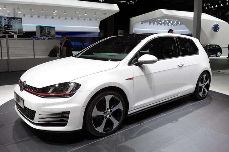 Почти серийный Volkswagen Golf VII GTI