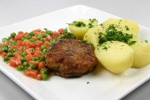 Karbonader med stuvede ærter og gulerødder 4