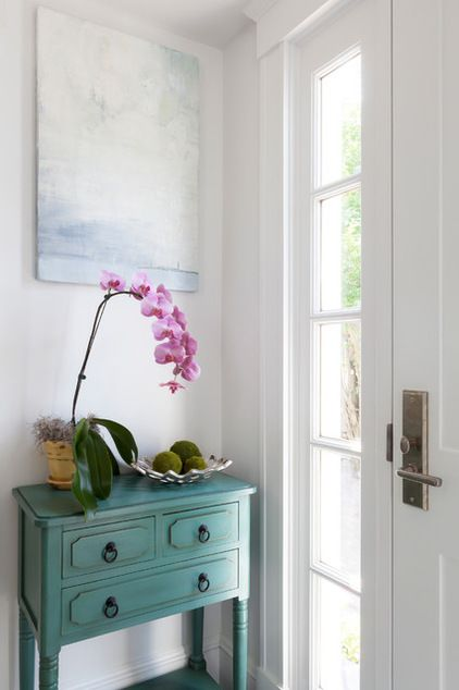 Beach Style Entry by Reiko Feng Shui Design. http://www.houzz.com/ideabooks/30877517/_trid=bWhhcm1vbmF5O21oYXJtb25heUBjb21jYXN0Lm5ldA/list/houzz-tour-a-historic-house-gets-a-feng-shui-adjustment
