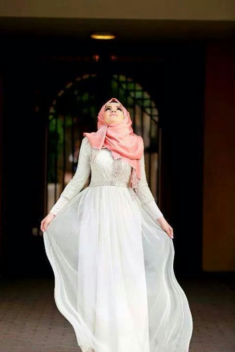 Elle Hijab wearing #beautiful #dress