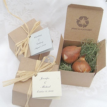 Unique wedding favours in sustainable packaging
