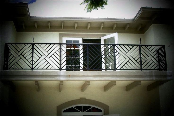 Best 25 balcony railing ideas on pinterest small for Modern balcony railing design