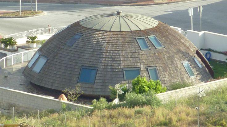Casa redonda de madera que gira con el sol benalmadena - Casas de madera redondas ...