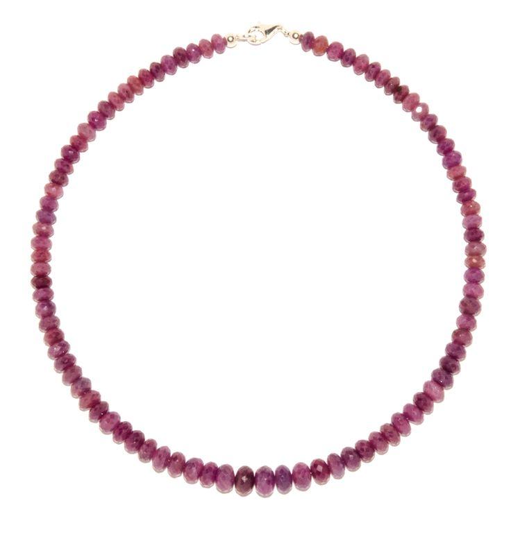 Die Rubin Linsen sind facettiert und ca. 6 mm bis 8 mm groß. Die Kette Rubin ist auf Edelstahl aufgezogen. Die Länge der facettierten Rubin Kette ist ca. 45 cm. Der Kettenverschluss zählt zu den wichtigsten Bestandteilen...