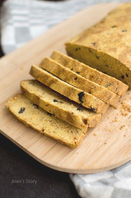 Glutenvrij maïsbrood met olijven