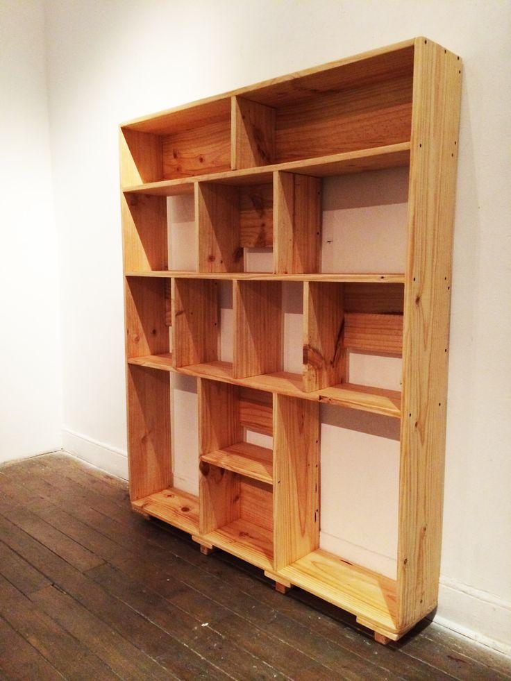 Librero ¨ Amanda ¨. Pino 1 x 10. 2mt d alto x 2mt d ancho x 23 d fondo. Ro Muebles.