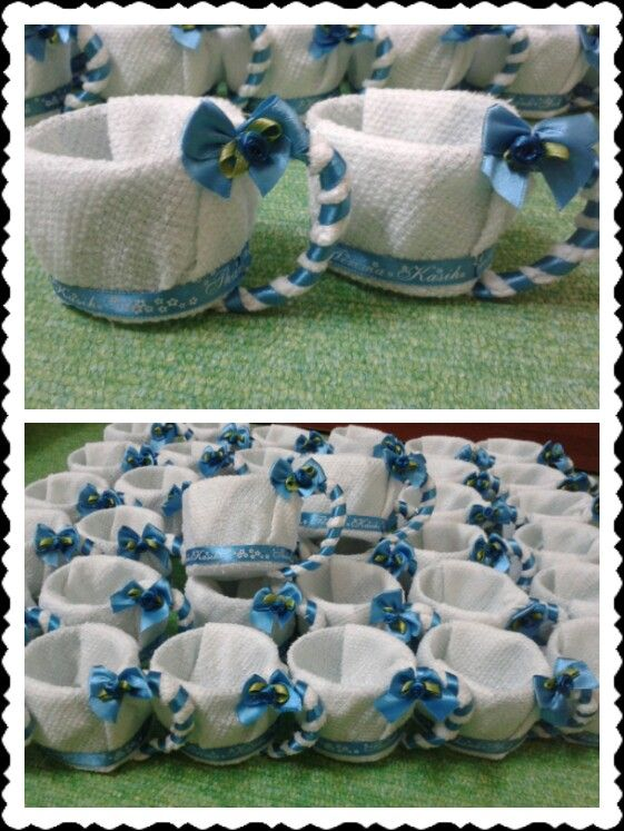 Decoration hand towel to cup. Can put candys inside