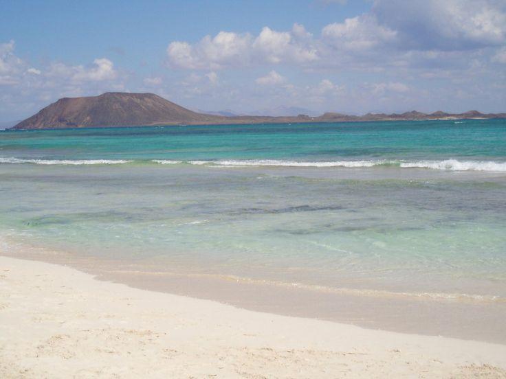 Isla de Lobos desde Corralejo (Fuerteventura, Canary islands)