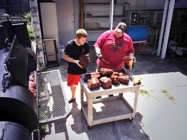 Mopping Butts on our Lang... Preparing for the BCB & Bocelli Foundation Event #dryrubbed #smokeitupbbq
