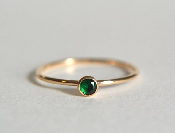 Goldring Smaragd, Smaragd Ring, Gold gefüllt Smaragd Ring, Smaragd Ring Gold, Smaragd Gold Ring, Smaragd Stapelring, zierliche Smaragd Ring