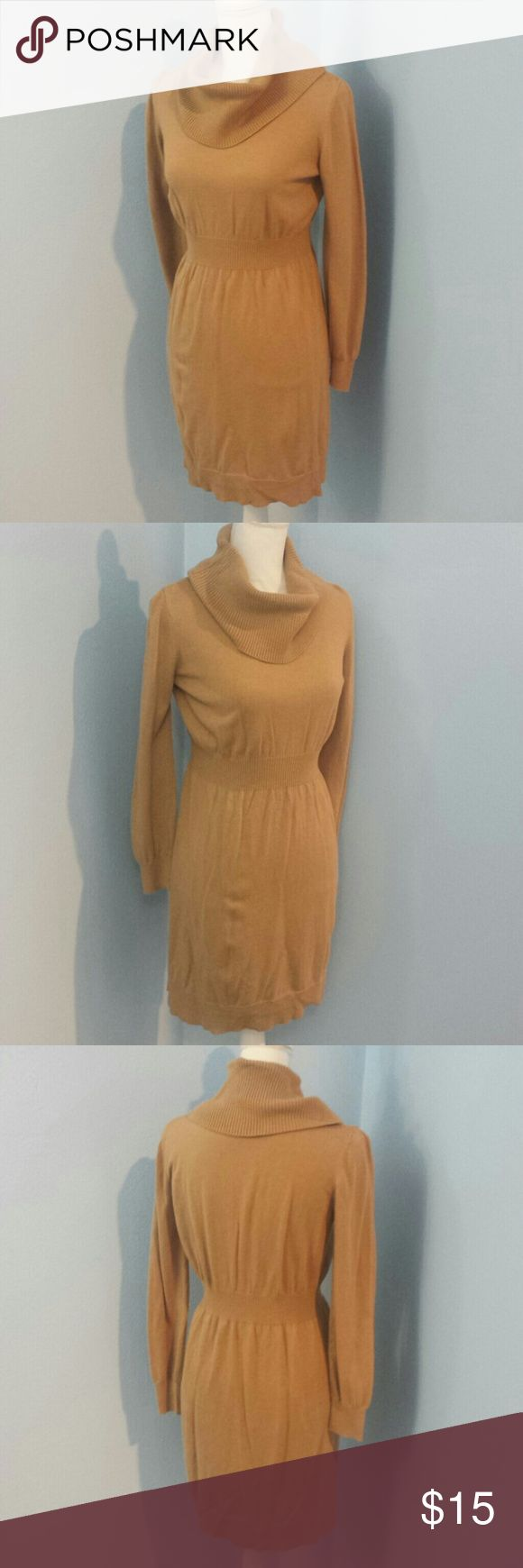 """Old Navy Long Sleeve Dress This fits above the knee for someone 5'6"""".  53% Cotton, 40% Nylon, 7% Viscose Old Navy Dresses Long Sleeve"""