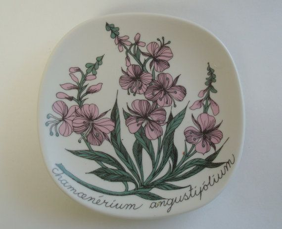 Arabia China Botanical Wall Plate by Esteri by TheAnteekTrunque, $46.00