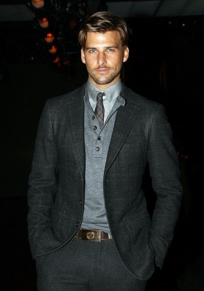 ...........love this casual preppy look!