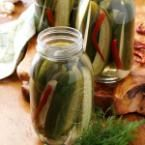Old-Fashioned Garlic Dill Pickles Recipe | Taste of Home