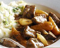 Ragoût de boeuf aux carottes et purée aux herbes (facile, rapide)