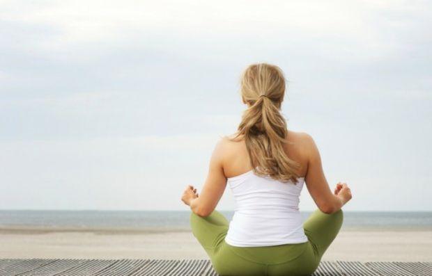 Joga Übungen gegen Rückenschmerzen Training Muskeln