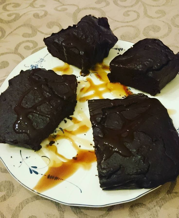We Liked this on Instagram ... the_macmillan: @veroslovelykitchen @schmale_schulter  #kaylaitsines #cleaneating #fitness #wargpower #fruitup #vegan #inspo #thebananachronicles #whatveganseat #801010 #plantbased #vegansofig #lornajane #fruitbowl #foodclubroyal #foodismedicine #vscofood #eatclean #veganfoodshare #bestofvegan #vscocam #blogger_at #monday #food #sweet #fruits #veggie #chocolate #foodblog #shake
