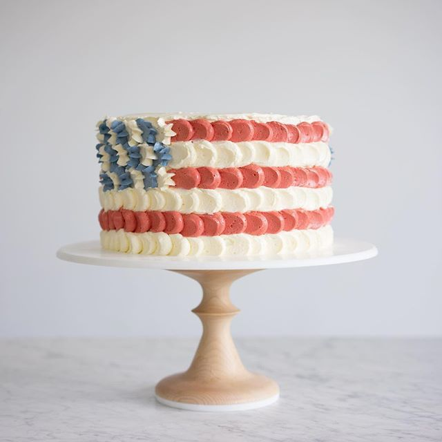 Happy 4th of July weekend! @aheirloom and I teamed up to make a special something! This cake will be live on the blog this afternoon!