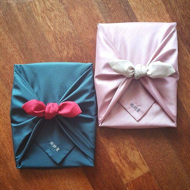 루마니아 일기: 저녁식사 초대를 받은 금요일 저녁, 보자기를 다려서 선물포장을 합니다 #호호당 #보자기 #초대 #선물 #답례 #gift #giftwrapping #korean #traditional #bojagi #hohodang #hohodang2011