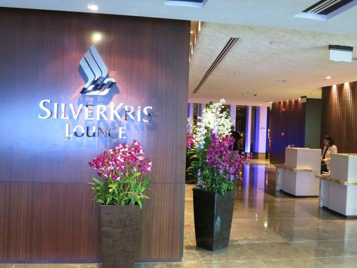 На втором месте Зал SilverKris, который принадлежит компании Singapore Airlines и располагается в Бангкоке, удобен и тем, кто отдыхает между перелетами, и для тех, кто работает в полную силу даже в поездке. Тут можно выпить и пообедать (в SilverKris есть шведский стол и бар), а также принять душ. Для трудоголиков - компьютеры, подключенные к Интернету, и другие нужные вещи.