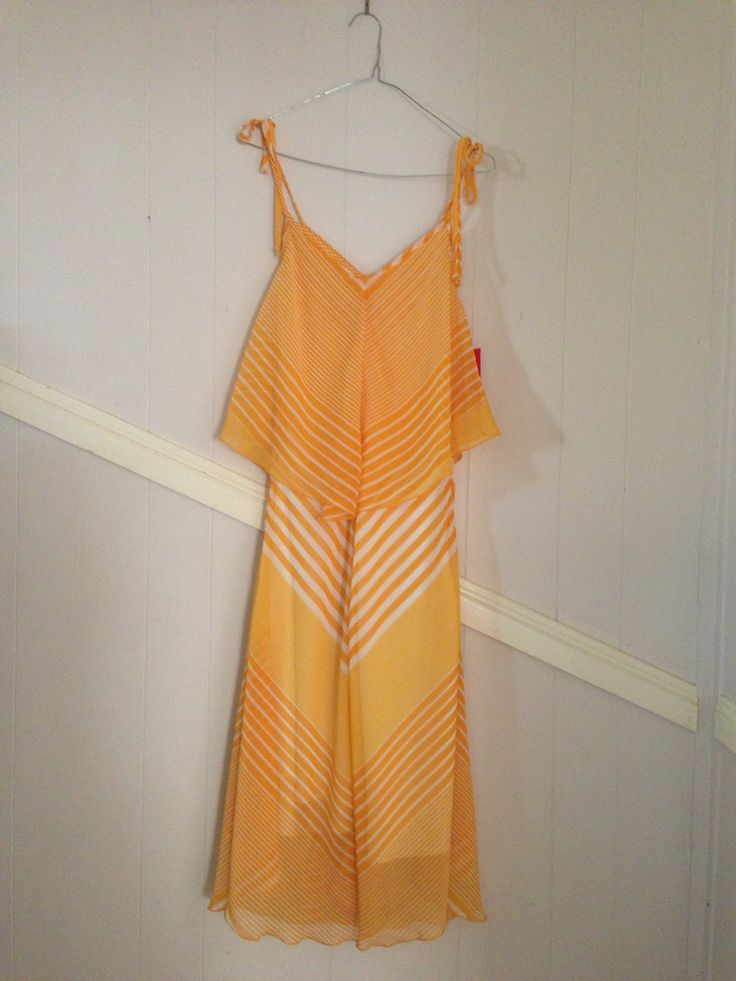 Another Retro yellow beauty of a dress in mint cond. Only $6 from the Op Shop. Looks brand new! Can't wait to wear this one!