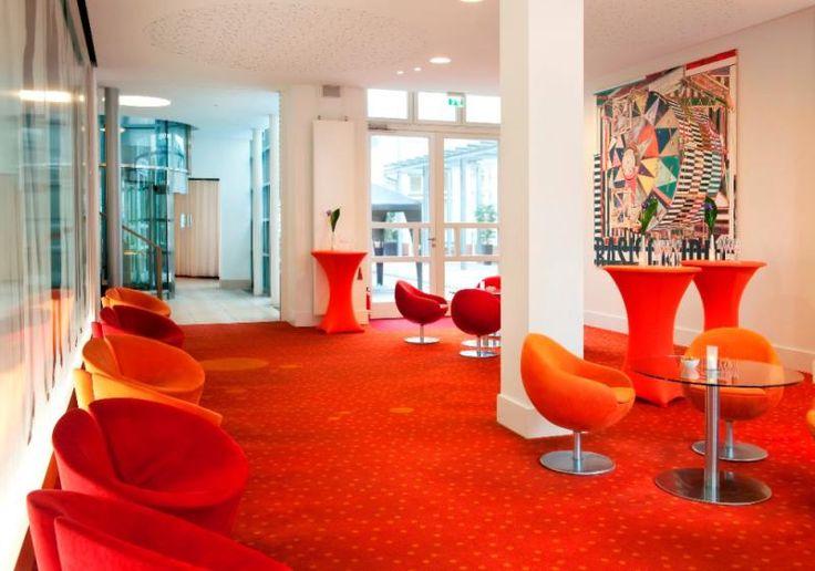 Ein Kino ganz exklusiv für die Junggesellinnen-Schar kann im Park Plaza Wallstreet Berlin Mitte gemietet werden.