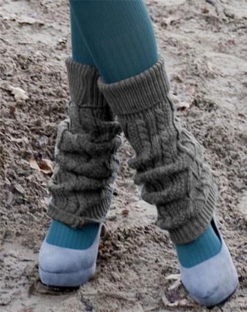 Geef een persoonlijke touch aan jouw outfit met weer zo'n leuke, nieuwe beenwarmer van Bonnie Doon!      De Soft Cable beenwarmers zijn gemaakt van een stevige, maar zachte, donkergrijze stof met kabelmotief en door de stretchboorden blijven ze perfect op hun plaats.    Bestel ze vandaag nog en draag ze morgen al!