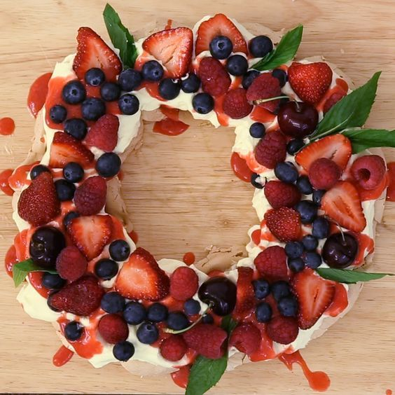 Berry Christmas Pavlova Wreath - Hardcastle Social Media