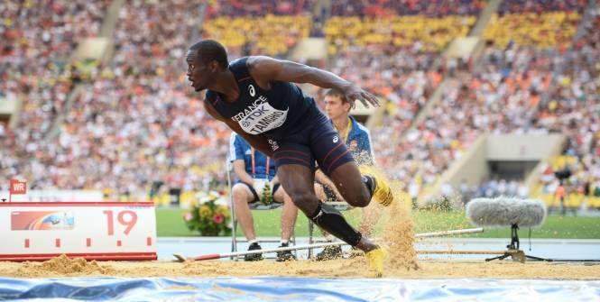 Teddy Tamgho, champion du monde de triple saut, avec un bond à 18,04m, est nommé pour le titre de meilleur athlète de l'année.