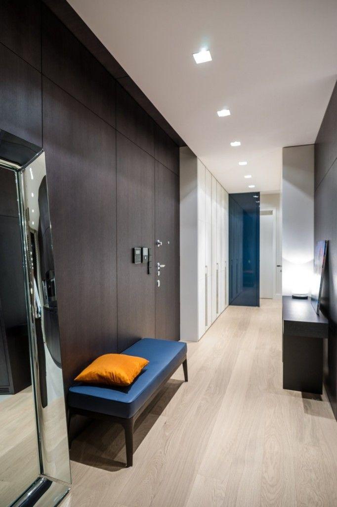 Apartment Warsaw centre luxurious white sofa couch lamp spacious timeless idea mirror