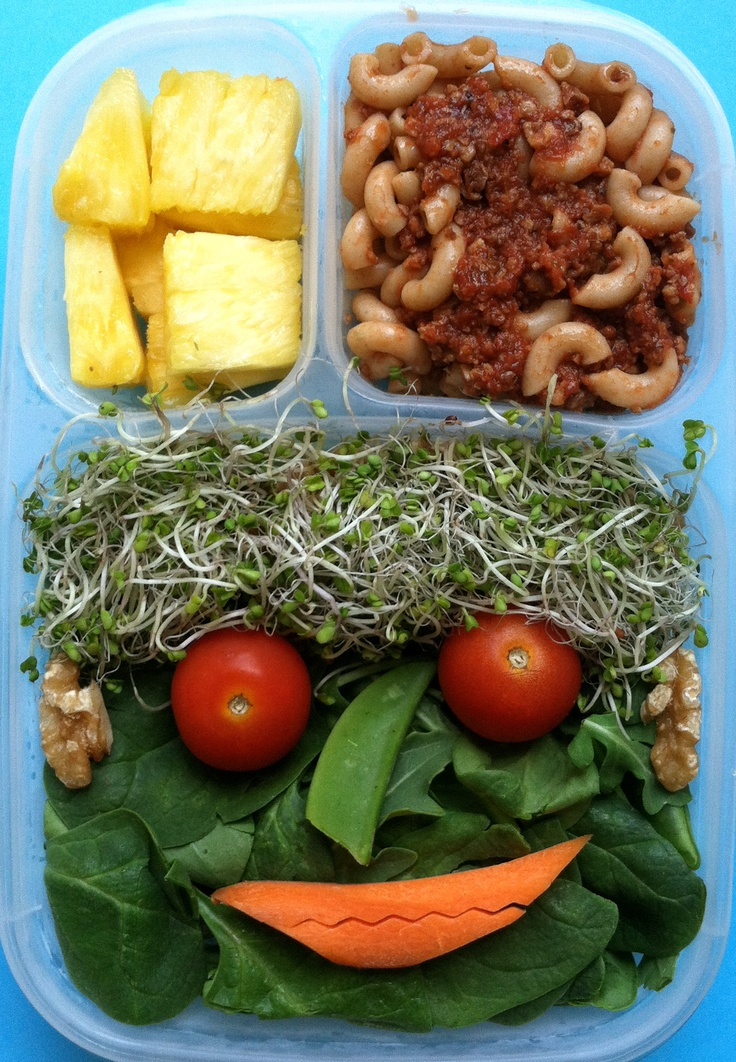 Baby spinach salad face #Salad, #Lunchbox, #vegan, #EasyLunchBoxes